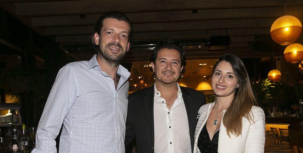 Jaguar F-PACE - Vinicius Frata, gerente de mercadeo Jaguar Land Rover en Colombia, Alex Mondragón y Nathalie Toro - Formula Entretenimiento