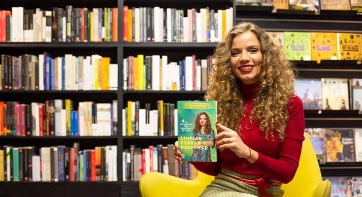 Francisca Arbeláez Antimanual - Formula Entretenimiento