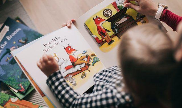 Leyendo en casa - Fórmula Entretenimiento