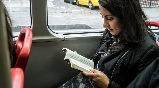 Lectura en Transmilenio - Fórmula Entretenimiento